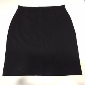 New First Option Skirt Black size 12